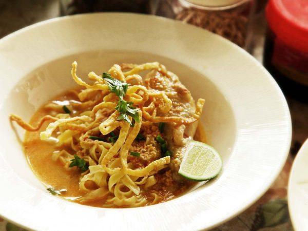 mon ăn Khao Soi
