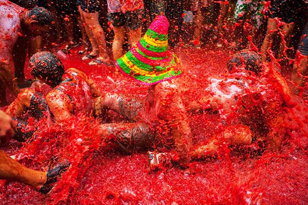 Nguồn gốc lễ hội ném cà chua La Tomatina