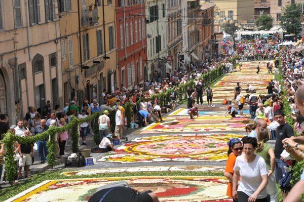 Lễ hội hoa Genzano Infiorata, Italy