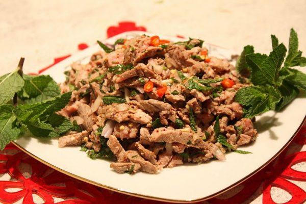 Lạp - món ăn ngon ở Lào