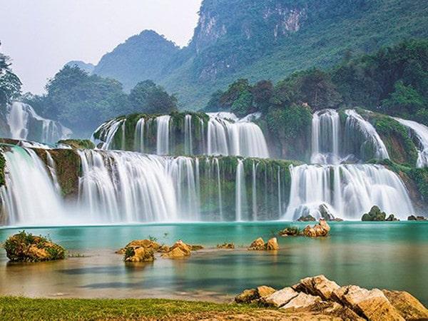 Thác Bản Giốc mùa nước đổ - đẹp kỳ vĩ như tranh vẽ