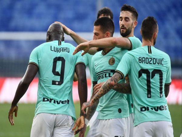 Đại thắng Genoa, Inter Milan gia tăng áp lực lên Juventus