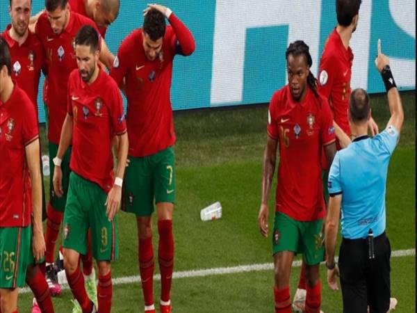 Bóng đá QT 24/6: Ronaldo gặp sự cố ở trận đấu với ĐT Pháp