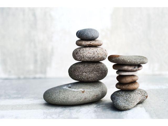 Mơ thấy hòn đá đánh con gì điềm báo gì lành hay dữ?