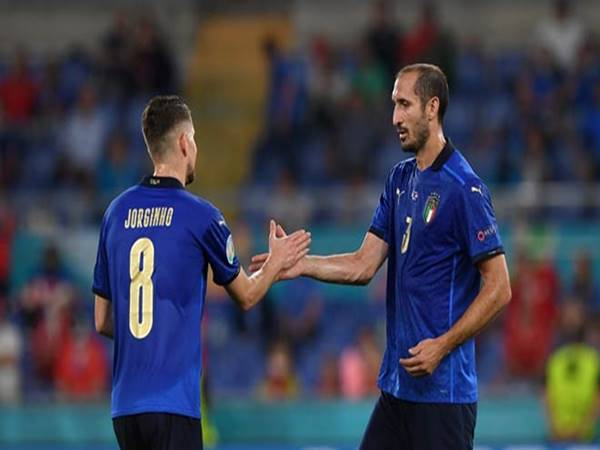 Bóng đá Quốc Tế tối 29/9: Chiellini mong Jorginho đoạt QBV