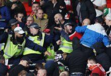 Bóng đá quốc tế sáng 13/10: CĐV Hungary gây náo loạn ở Wembley
